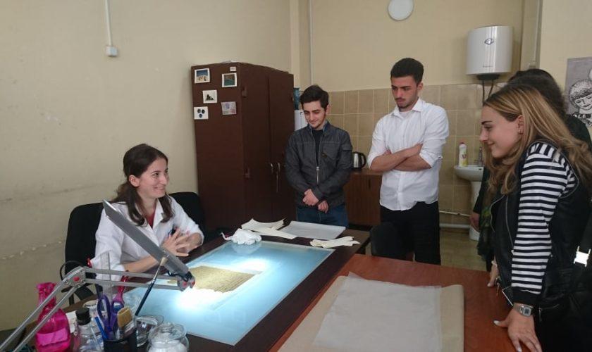 ოფისის მენეჯერის პროფესიული საგანმანათლებლო პროგრამის სტუდენტთა სასწავლო ექსკურსია საქართველოს ეროვნულ არქივში